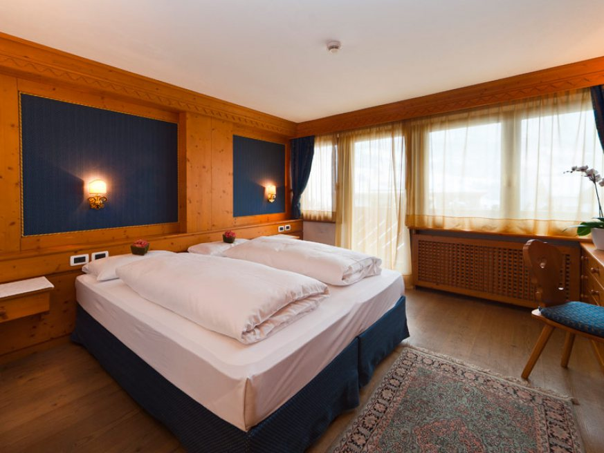 junior suite hotel ladinia la villa alta badia